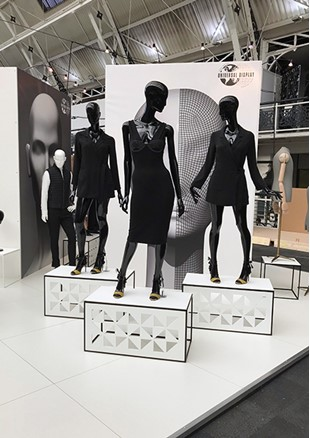 VM & Display Stand F5- Ultra Mannequin-7