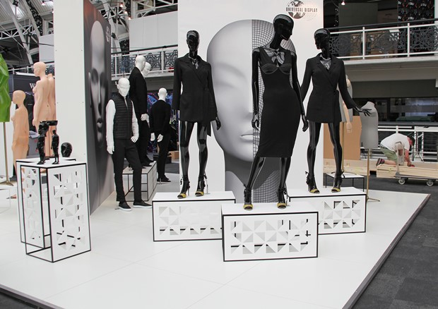 VM & Display Stand F5- Ultra Mannequin